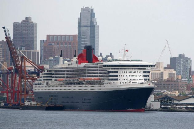 New York City - Queen Mary II, South Brooklyn Marine Terminal