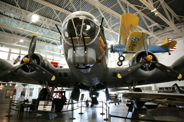 Boeing B-17 G Flying Fortress - Hill Aerospace Museum, Utah