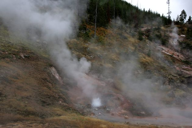 Yellowstone National Park - Blood Geyser
